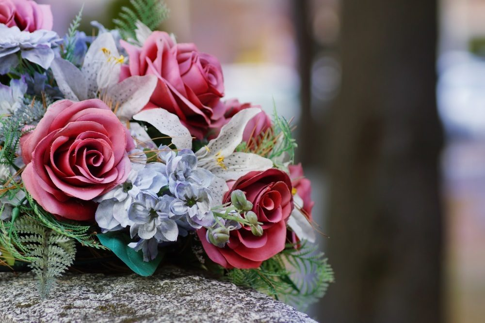 7 Popular Sympathy Flowers And Their Meanings Funeral Basics