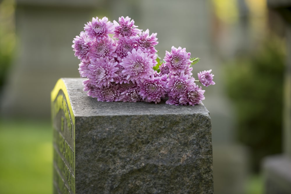 Grave Liners & Burial Vaults: What's the Difference