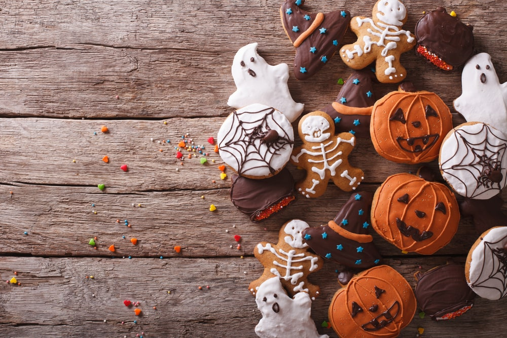 8 Ways to Honor a Loved One's Life on Halloween